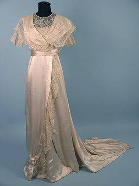 Wedding dress, ca 1912