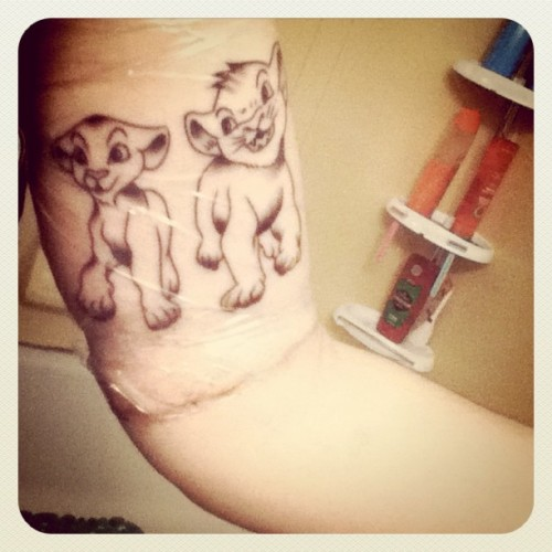 themaine:  Simba and nala new tattoo. Just the start to a Disney half sleeve gonna get it colored in a few weeks! (Taken with instagram)  I LOVE THIS SO MUCH
