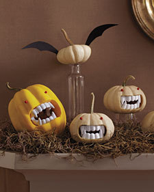 tutorializer:  (via Fanged Pumpkins - Martha Stewart Holiday & Seasonal Crafts)  So cute! I need to get my craft on for Halloween this year.