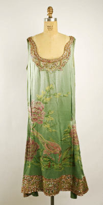(via Dress | Callot Soeurs | The Costume Institute | Collection Database | Works of Art | The Metropolitan Museum of Art, New York)