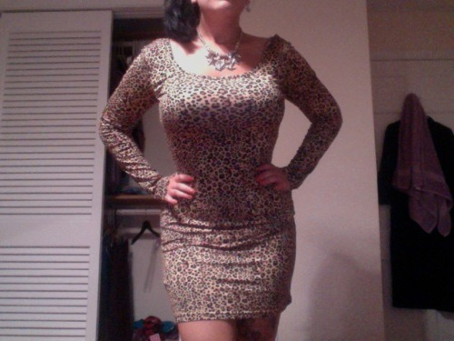 curveappeal:  Just got this dress and it shows off my curves well. :3 I'm around a 10/12.
