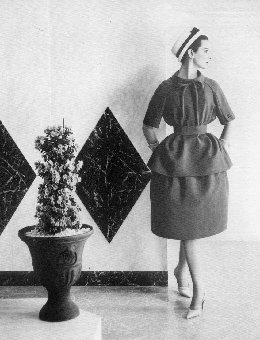 theniftyfifties:  Betsy Pickering wearing Nina Ricci, 1959.  Photo by Henry Clarke.   joan can wear this now.