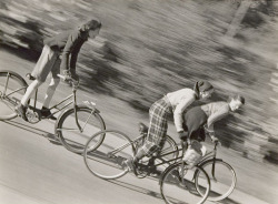 luzfosca:  Herman Landshoff  Untitled (Girls on bicycles), 1946