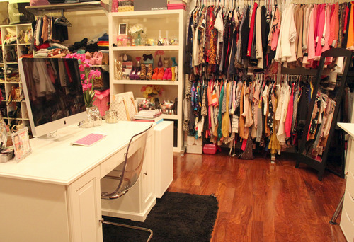 If this was my closet!!!!!!!! *faints*