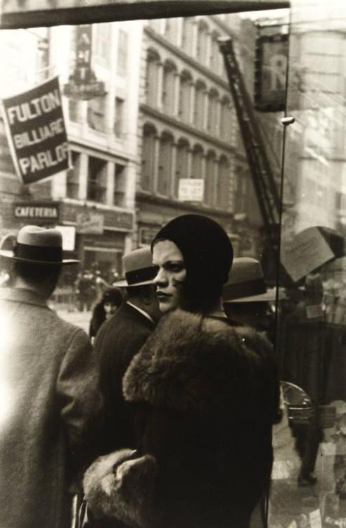 Walker Evans' girl on Fulton Street, New York, 1929