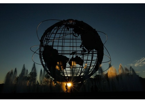 souseiki:  New York, US: The unisphere is seen as the sun sets during day 12 of the 2011 US Open   Photograph: Mike Stobe/Getty