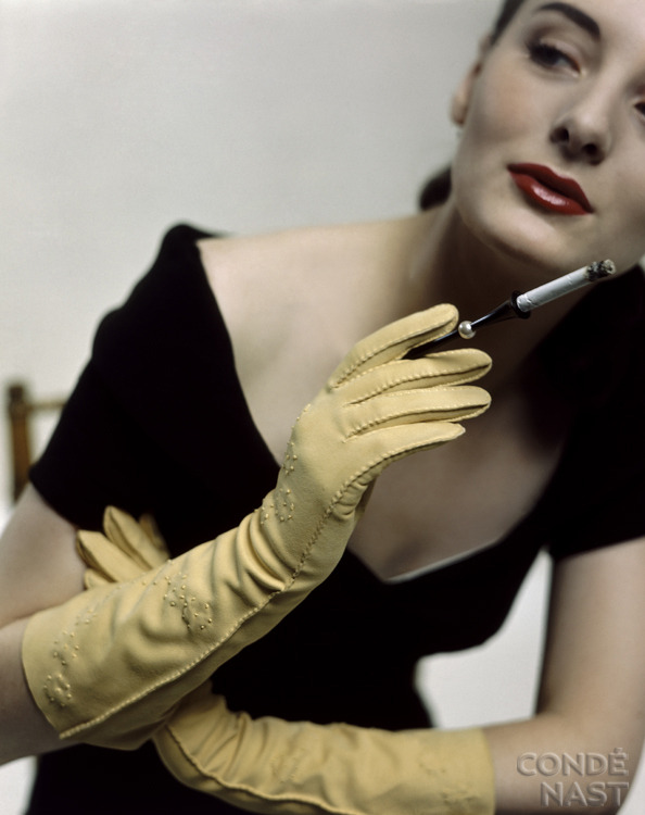 maliciousglamour:  Doeskin Gloves & Cigarette HolderGlamour, November 1946Photographer: Serge Balkin