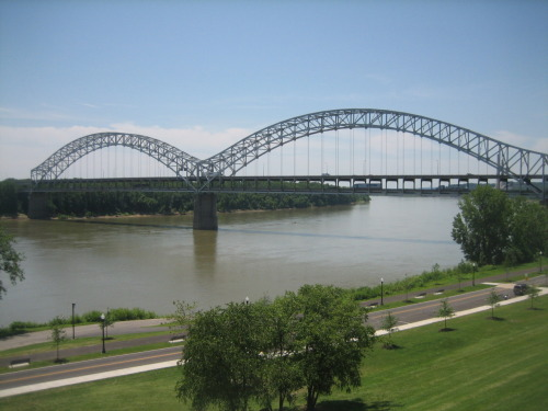 thesmithian:   The Sherman Minton Bridge, one of three major bridges spanning the Ohio  River between Louisville, KY and southern Indiana, was among the  Kentucky bridges listed as deficient. And last night, the Sherman Minton Bridge was closed after further deficiencies, including cracks, were found…  more about Republican Congressional leadership's opposition to infrastructure, here.