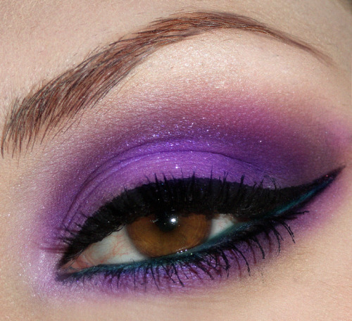 vanillafairy:  Oh lawd. That purple.