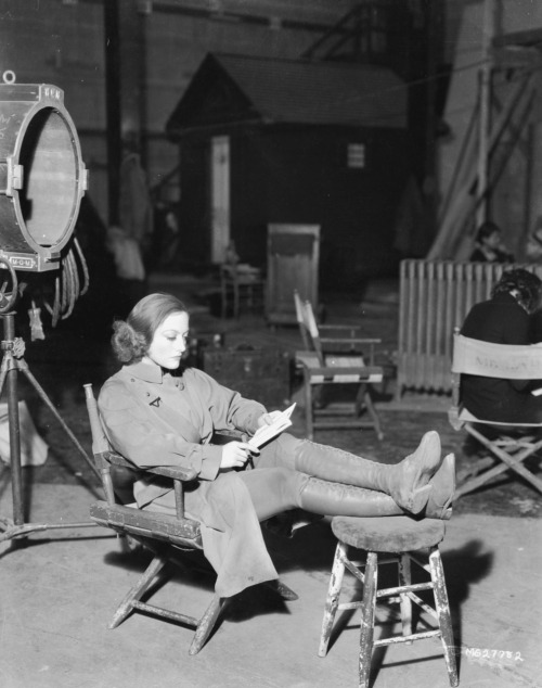cosmosonic:  Joan Crawford