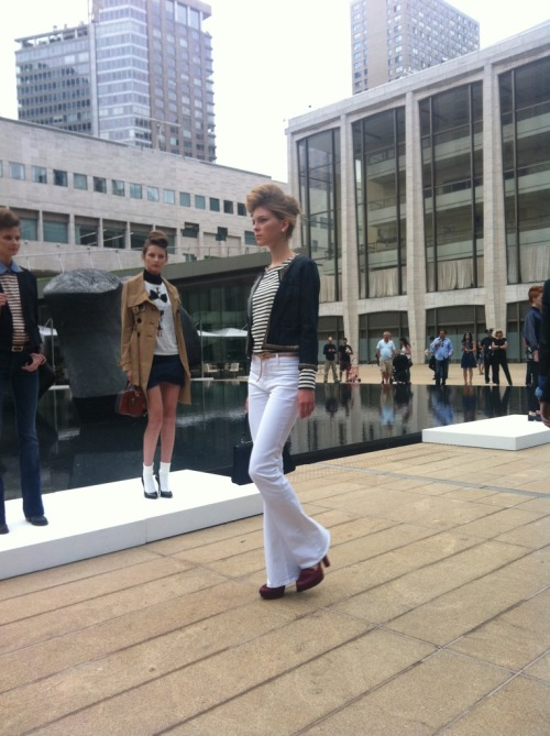 Declare your denim fashions show: Parisienne chic in breton stripes and white jeans. Photographed by Jane Keltner de Valle.