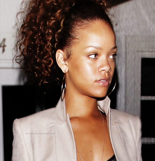 rihanna NO MAKEUP! PRETTY