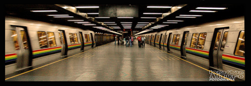 caracascaos:  PANORAMICA METRO by Jonathan Alzurov on Flickr.