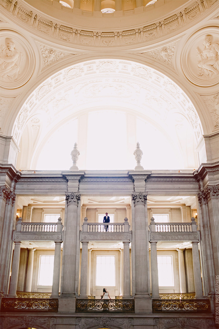 bella-illusione:  City Hall San Francisco Wedding