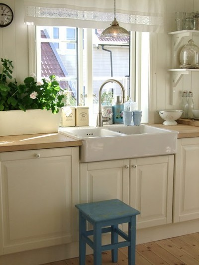myidealhome:  cozy kitchen envy (via pinterest)