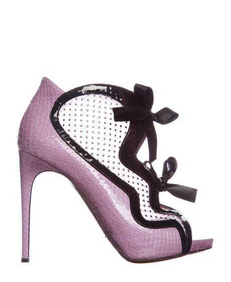 like-a-fashion-editor:  SHOP: Shoe Porn! Am kinda obsessed with these quirky Nicholas Kirkwood shoes…
