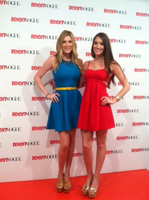 Blair and Elle Fowler at the Teen Vogue Haute Spot after their Beauty Breakdown with Eva Chen. Loving their colorful looks!
