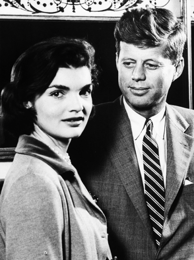 missavagardner:  Young Senator John F. Kennedy and his wife Jacqueline Kennedy  <3 jacqueline kennedy
