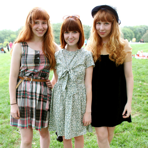 theclotheshorse:  hannah, hannah, and me photographed by the sf style