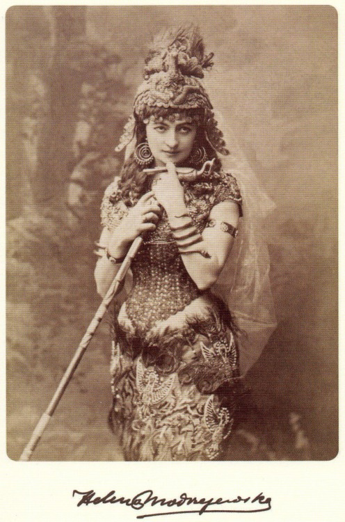 earwigbiscuits:  Victorian actress Helena Modjeska (full name Modrzejewska ~ 1840-1909) as Cleopatra (via)