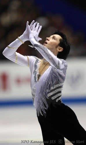 beautiful-shapes:  Johnny Weir 2009 GPF