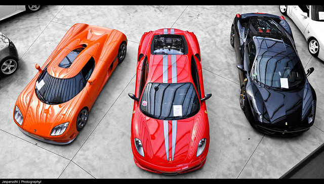 xtinapoytina:  Supercars in line by JespervdN on Flickr.