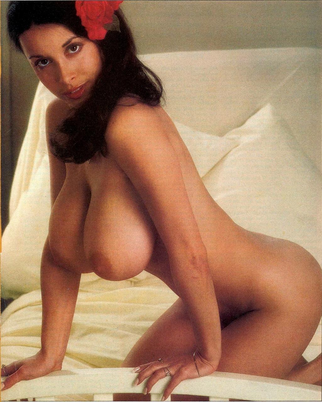 nude Oui models