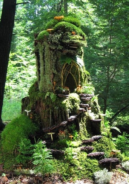 starsrising:  a fairy house!! crafted out of natural materials for the fae- see the movie Fairy Tale: A True Story about the Cottingley faries :)