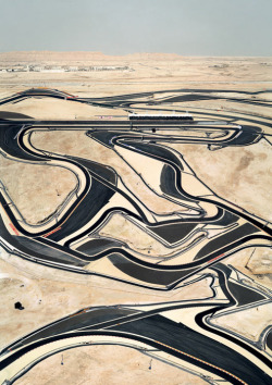 dysprosia:  Winding Road by Andreas Gursky