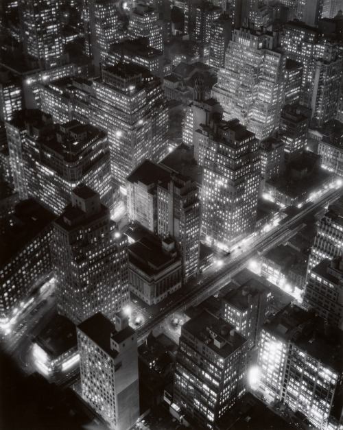 eileenede:  Night View, New York, 1932, by Berenice Abbot