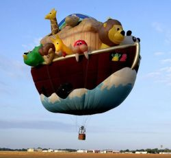 theclearlydope:  I'm flying across the world in this balloon. When I return there will be peace.  That's a good one! I still would never go in a hot air balloon.