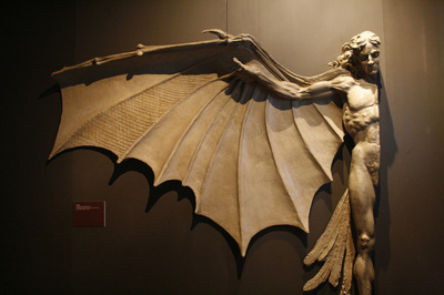 Statue based on Leonardo da Vinci's famous concept for artificial wings.