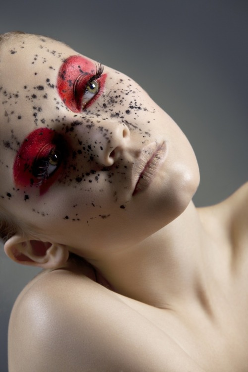 Make up & Hair: Fanny Maurer Photo: Sandra Birklbauer