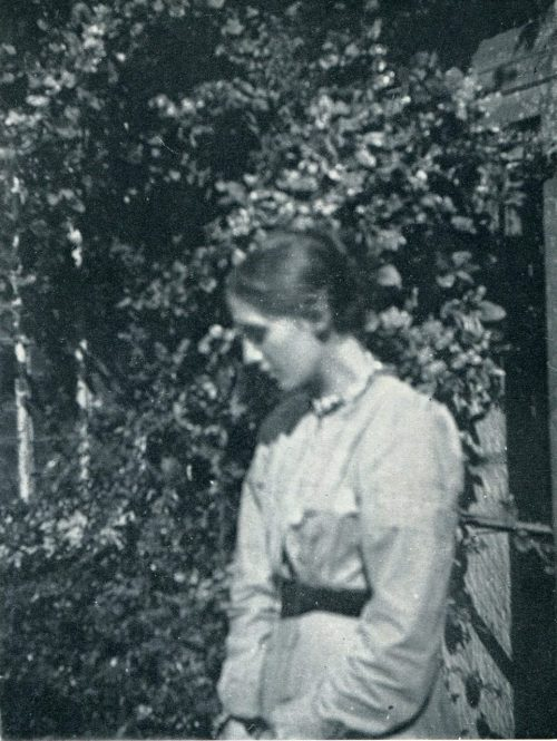 sketchofthepast:  Virginia Woolf at 18.