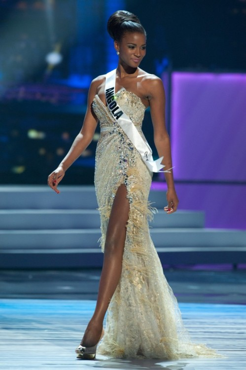 fuckyeahfamousblackgirls:  Congratulations to the new Miss Universe 2011 Leila Lopes! She represented for Angola.
