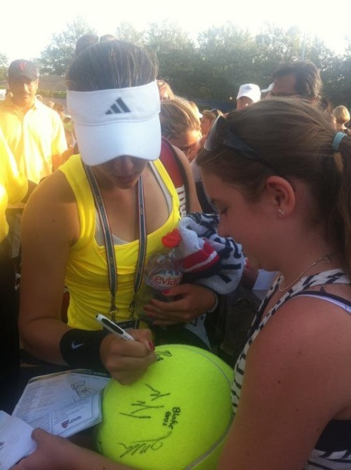 Nicole signing an autograph for a fan :)