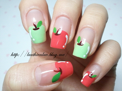 sweetnailart:  apple nailart click through for tutorial (in my korean blog)