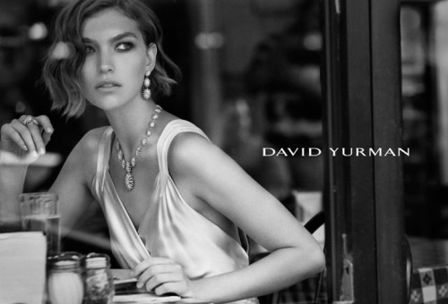 maxitendance:  David Yurman fall 2011: Lady at a Café by Peter Lindbergh.