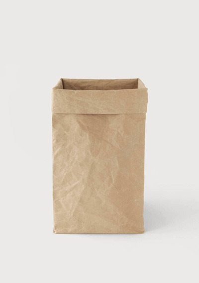 sacred-ocean:  a-c-a-i-berry:  little paper bag, i haven't reblogged you in awhile