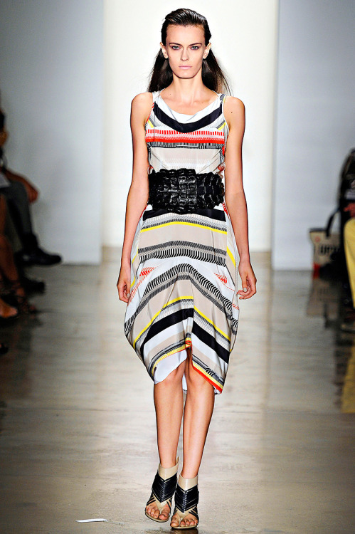 Ohne Titel RTW Spring 2012 The print, the belt, the dress- I love.