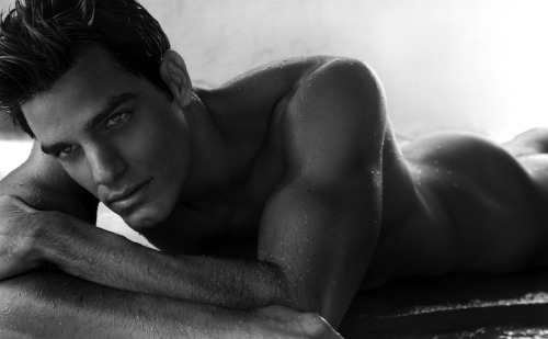 lhommedujour:  ISAC   FIORAVANTE MODEL  Born: 1983  Brazil   - more images on FACEBOOK- YOUTUBE video playlist L'HOMME DU JOUR on social media:FACEBOOK TWITTER YOU TUBEFLICKRPICASABLOGGER