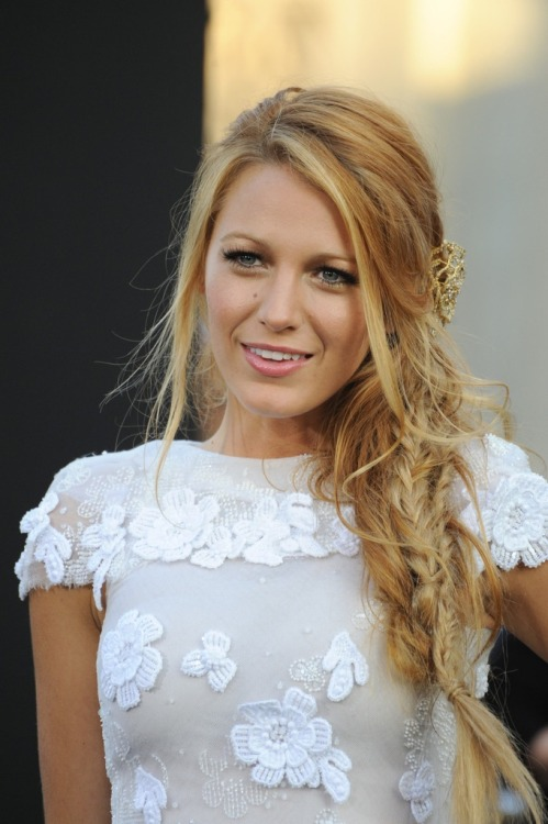 woodlandz:  blake lively is too fine   i love her