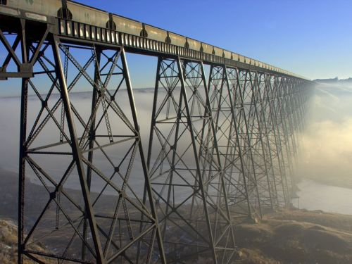 Lethbridge Viaduct (100 meters high, 1600 meters long), Canada© Travis Nykamp | National Geographic