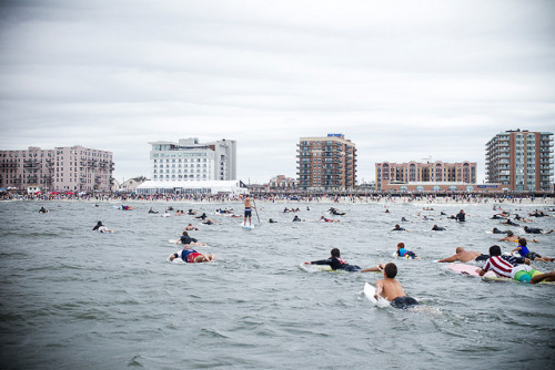 fysurf:  9/11 Paddle Out  by Quiksilver Galleries