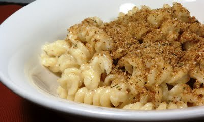 Yum! (via emily bites: Creamy Stove Top Macaroni & Cheese)