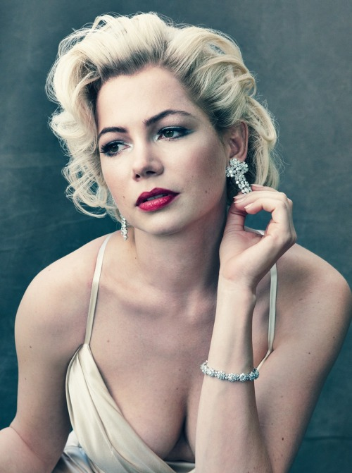 wow, i almost didn't recognize her… Michelle Williams Photographed by Annie Leibovitz for the October Issue of Vogue