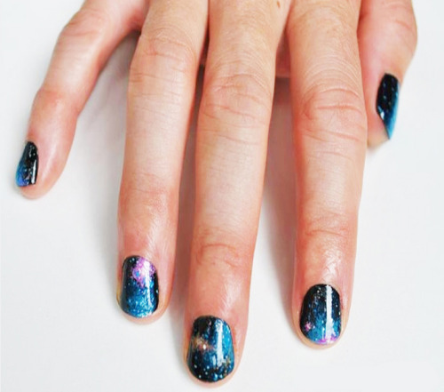 madelinepoolenails:  galaxy nails