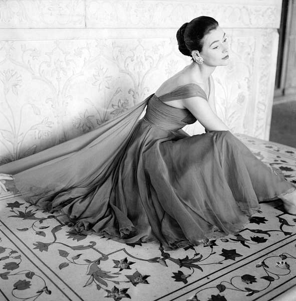 Anne Gunning, India, Vogue, 1956Photographer: Norman ParkinsonDress by Susan Small
