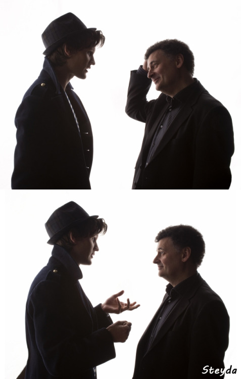 theysayoftheacropolis:  doctorwho:  Matt Smith & Steven Moffat  Look at those two. They're plotting, I can tell. Moffat, you inscrutable fuck…