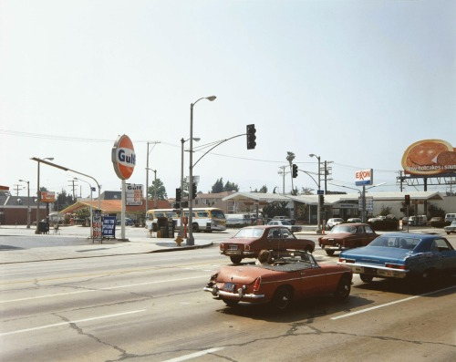 "dreammeup:  Stephen Shore ""Beverly Boulevard and La Brea Avenue, Los Angeles, California, June 22, 1975"""